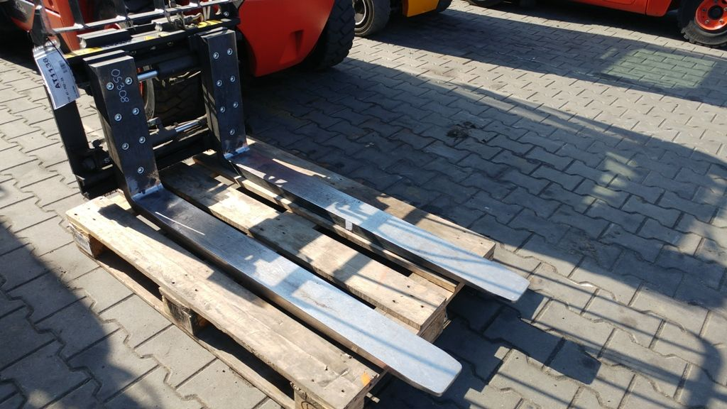Stabau S11-ZV 18-SO Fork positioners www.superlift-forklift.com