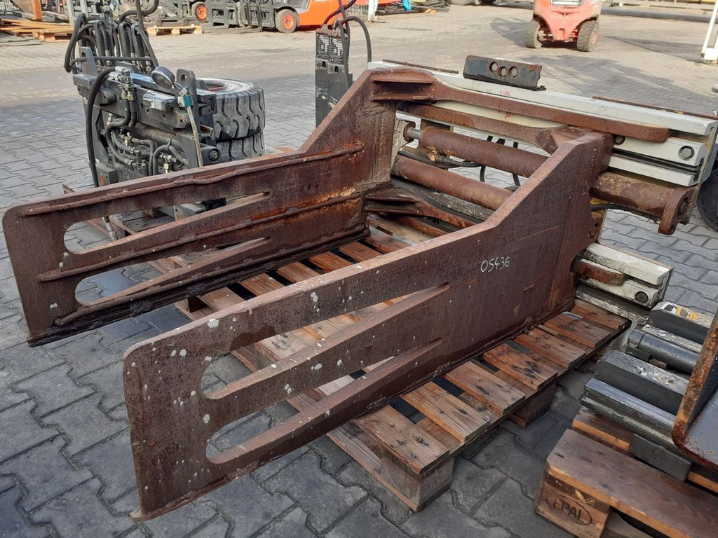 Cascade 52G-BCS Bale clamps www.superlift-forklift.com