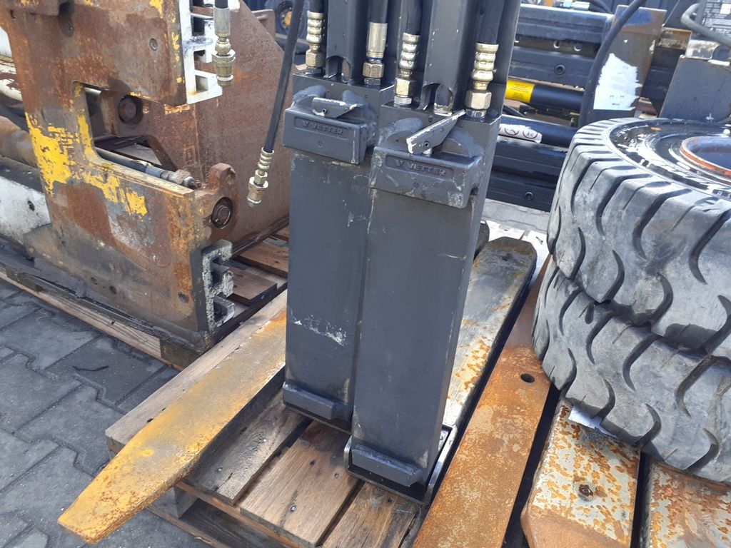 Griptech RG2-20-800-450 Hydraulic Telescopic Fork Arms www.superlift-forklift.com