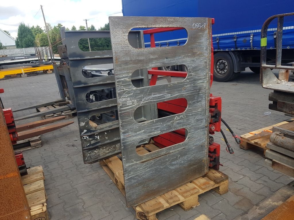 Auramo B-150AE Bale clamps www.superlift-forklift.com