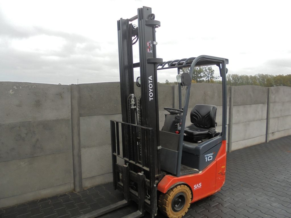 Toyota 7FBEST10  Electric 3-wheel forklift www.superlift-forklift.com