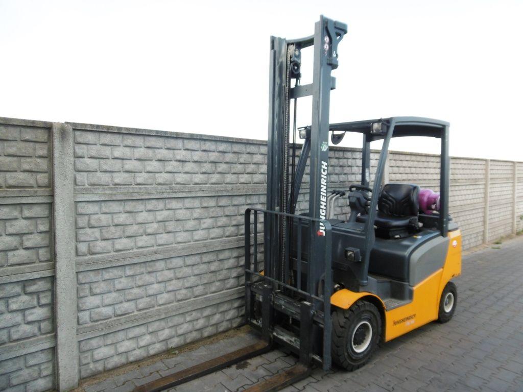 Jungheinrich TFG316 LPG Forklifts www.superlift-forklift.com