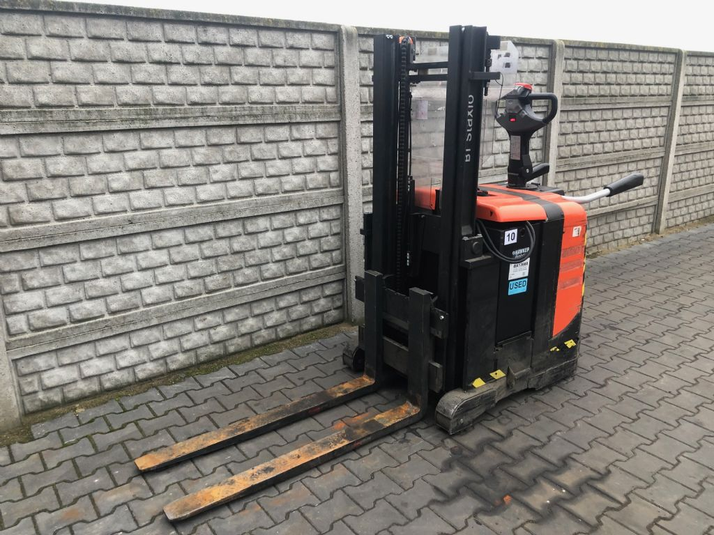 BT SPE125 Electric Pallet Truck www.superlift-forklift.com