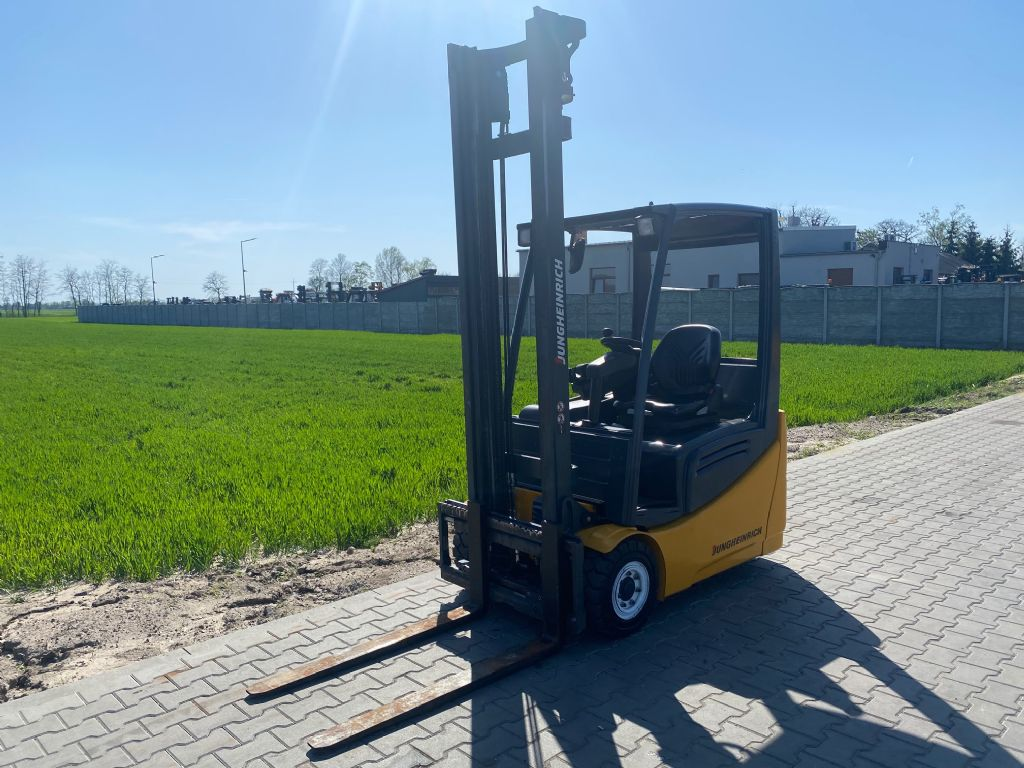 Jungheinrich EFG216k Electric 3-wheel forklift www.superlift-forklift.com
