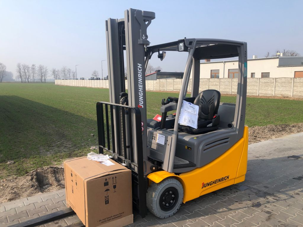Jungheinrich EFG216k Li-Ion BRAND NEW Electric 3-wheel forklift www.superlift-forklift.com