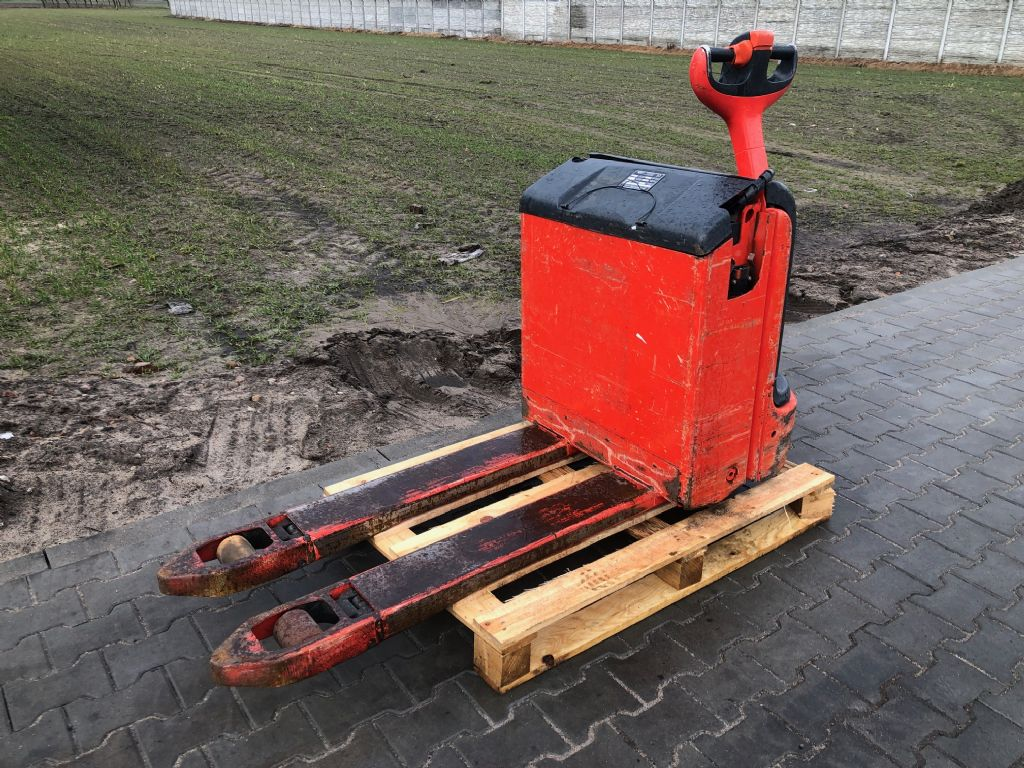 Linde T16 Electric Pallet Truck www.superlift-forklift.com