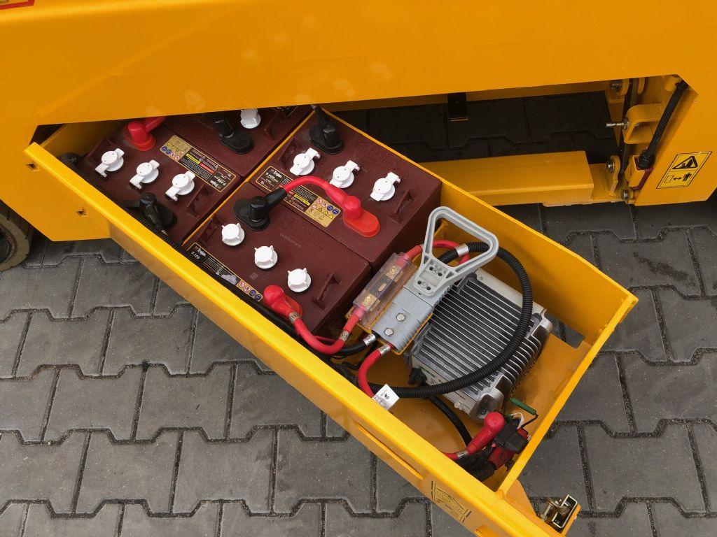 JCB S2032E Scissor Lifts www.superlift-forklift.com