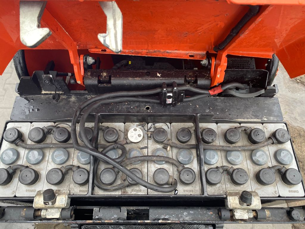 BT TSE300 Tow Tractor www.superlift-forklift.com