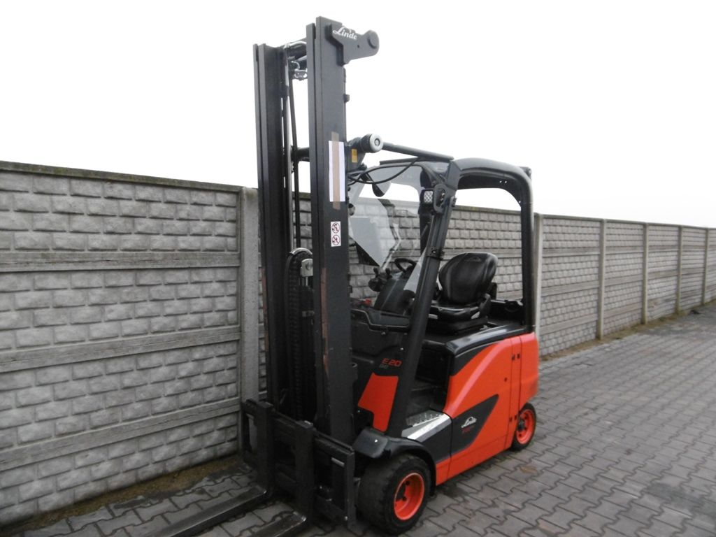Linde E20PH-02 Electric 4-wheel forklift www.superlift-forklift.com