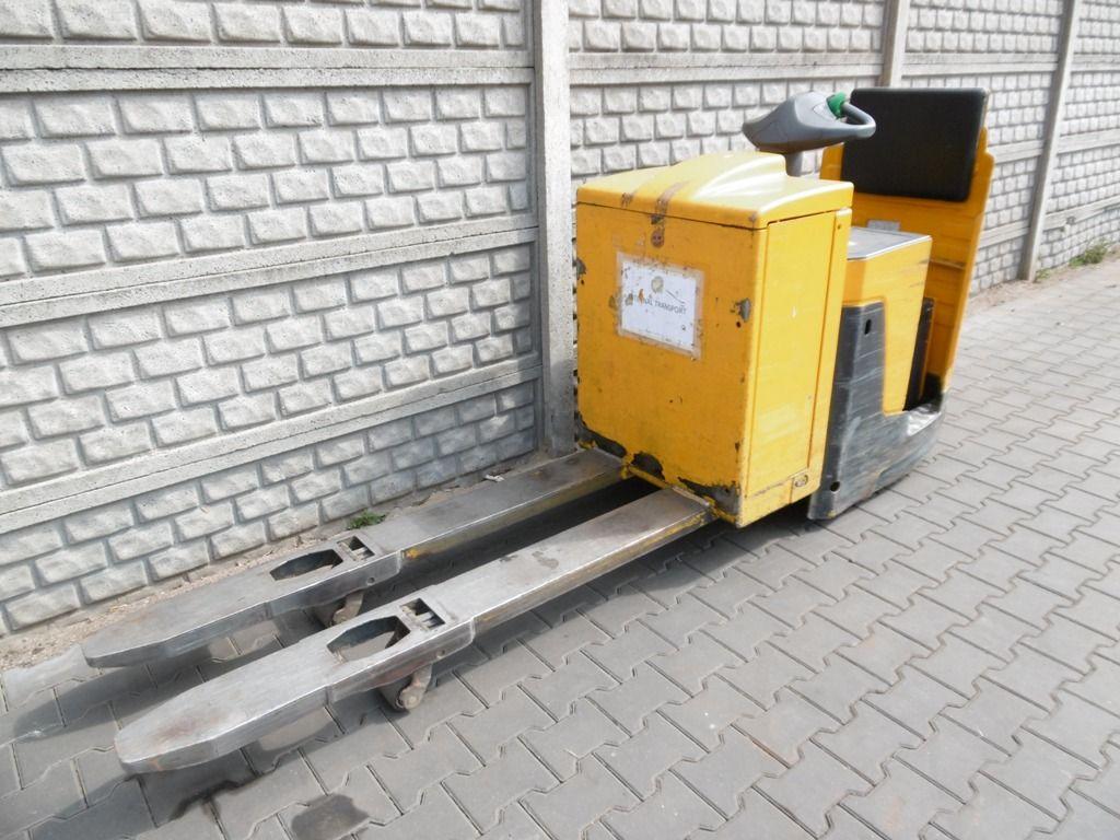 Jungheinrich ERE225 Stacker sit on www.superlift-forklift.com