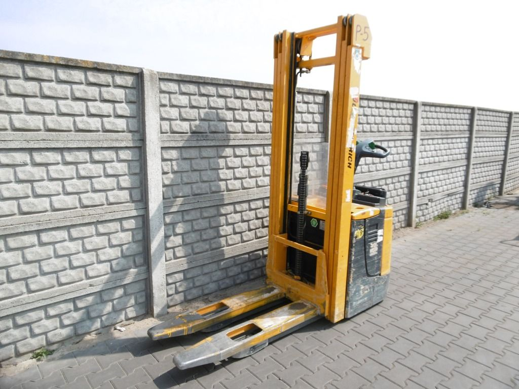 Jungheinrich ERC216 High Lift stacker www.superlift-forklift.com