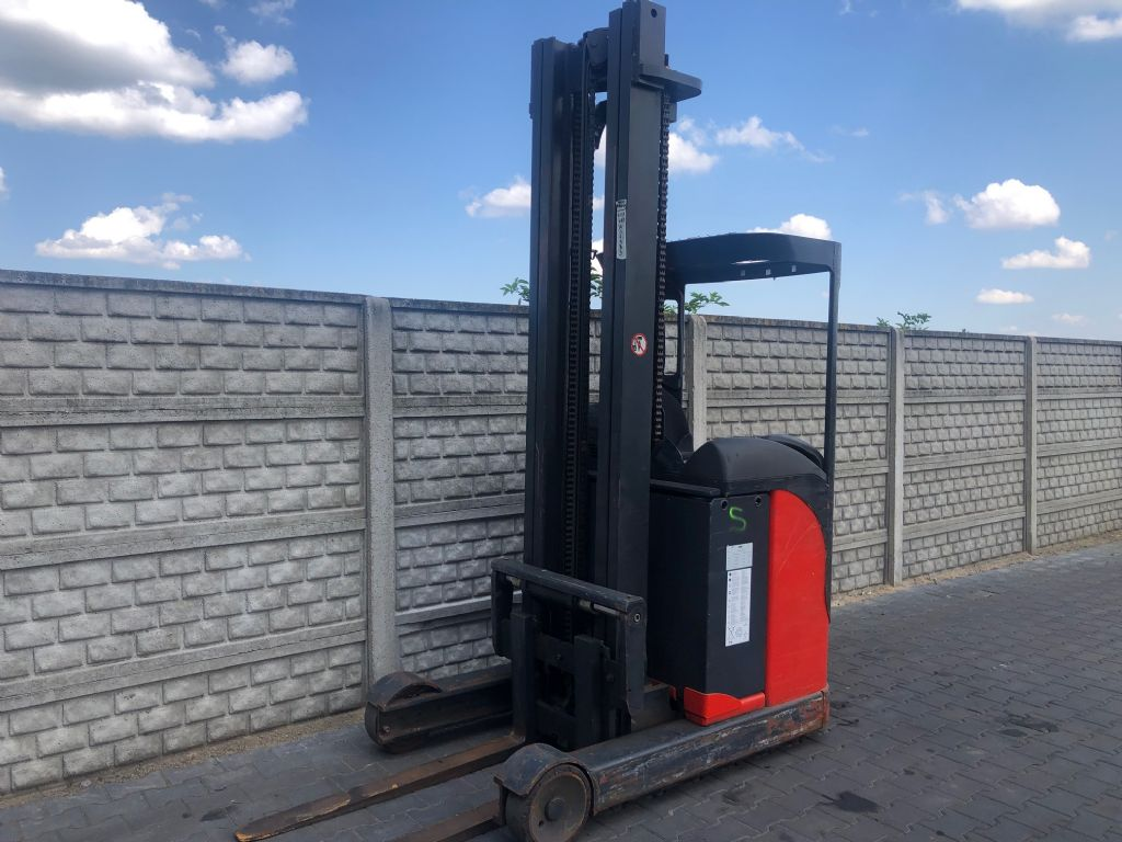 Linde R14N-03 Reach Truck www.superlift-forklift.com