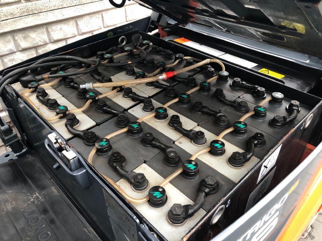 Toyota 8FBMK16T  Electric 4-wheel forklift www.superlift-forklift.com