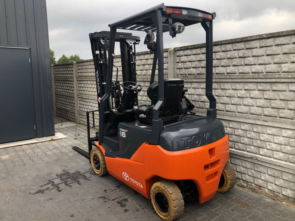 Toyota 8FBMK16T  Electric 4-wheel forklift www.superlift-forklift.com