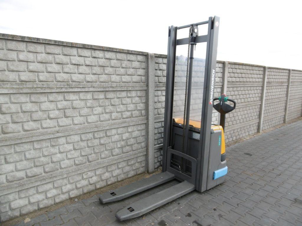 Jungheinrich EJC110 High Lift stacker www.superlift-forklift.com