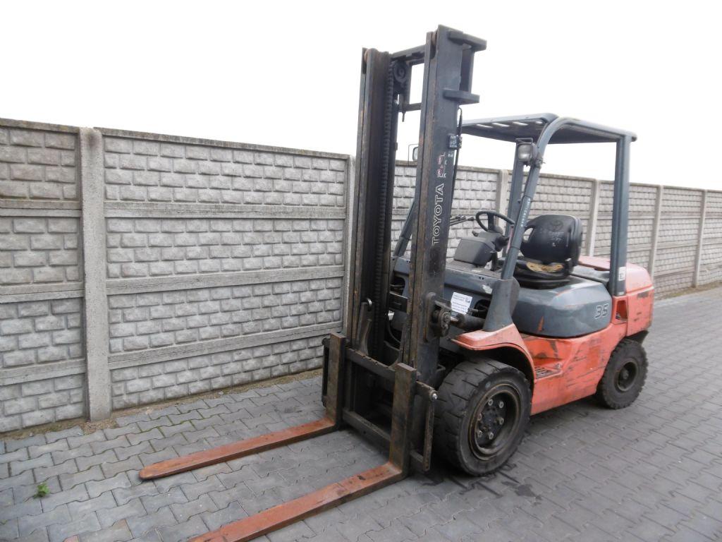 Toyota 7FDJF35 Diesel Forklift www.superlift-forklift.com
