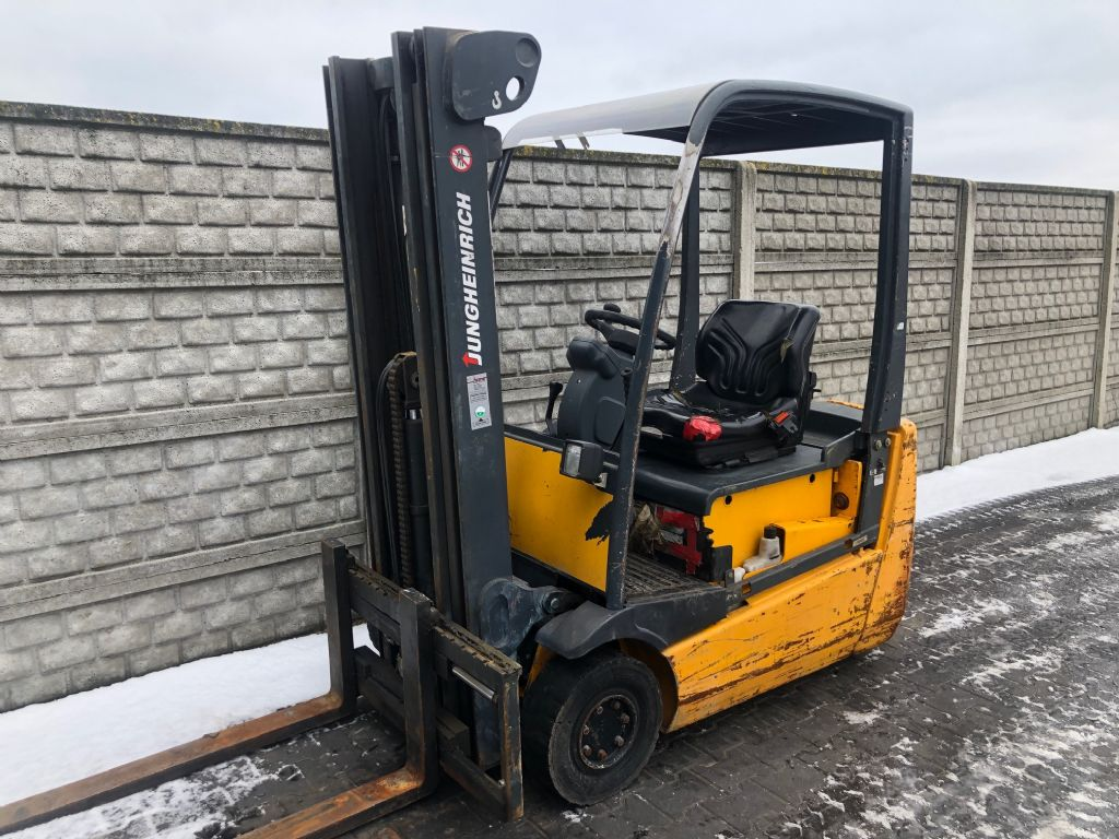Jungheinrich EFG216 Electric 3-wheel forklift www.superlift-forklift.com