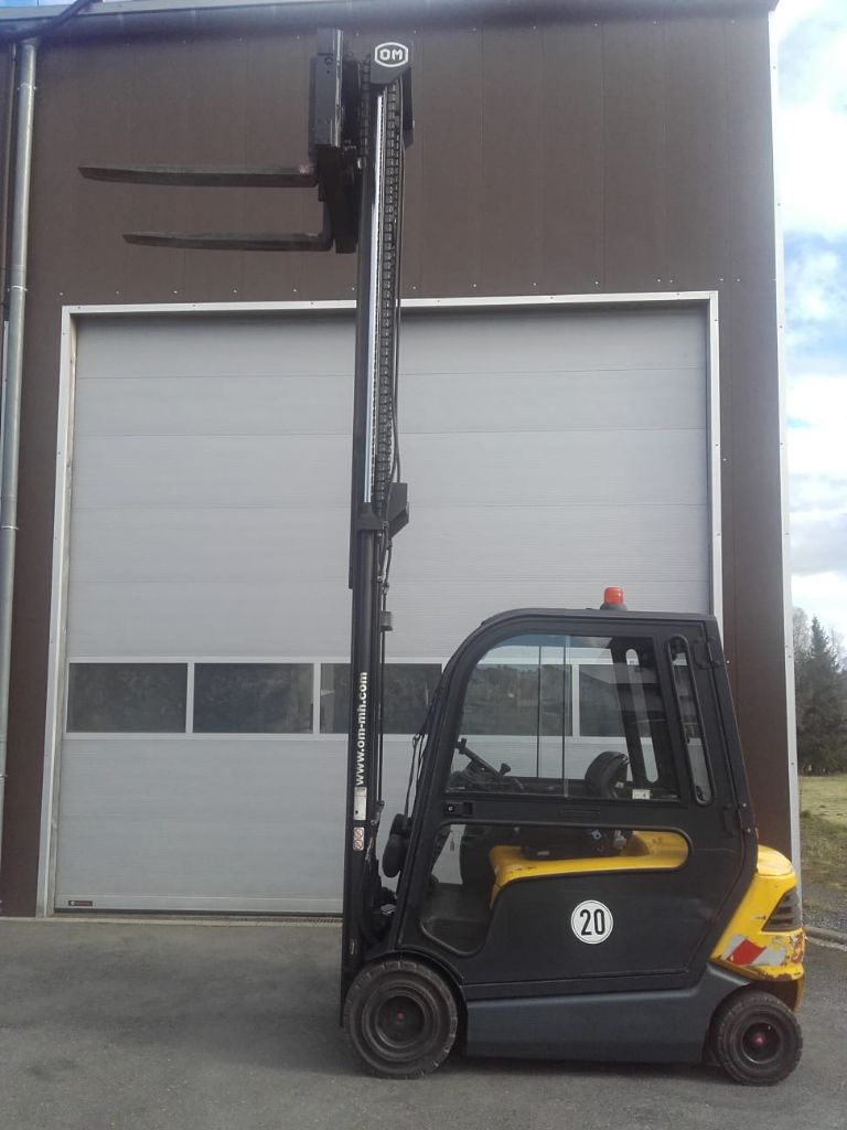 OM-Pimespo-XE30-Elektro 4 Rad-Stapler-www.szww.de