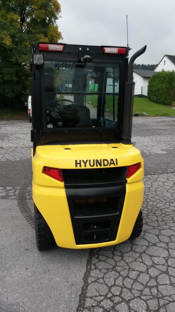 Hyundai-30D-9-Dieselstapler-www.terbrueggen-gmbh.de