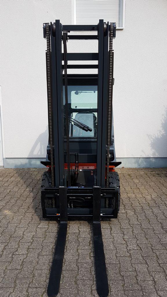 Nissan-Y1D2A25Q -Dieselstapler-www.terbrueggen-gmbh.de