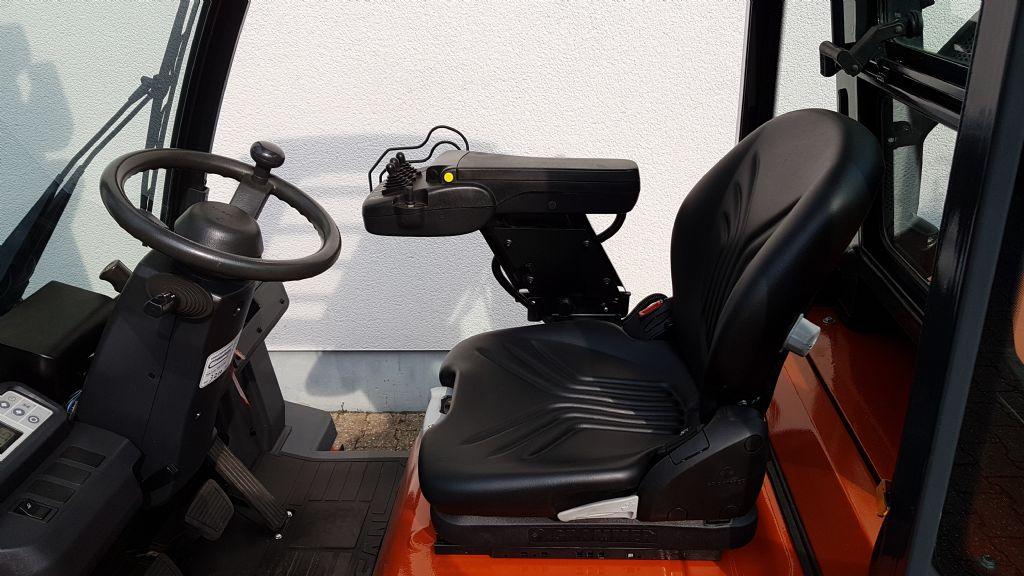 Nissan-Y1D2A25Q Vollkabine-Dieselstapler-www.terbrueggen-gmbh.de