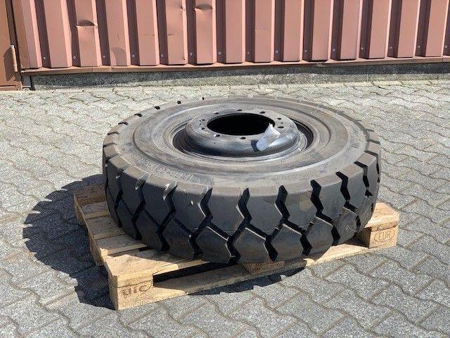 *Sonstige Trelleborg T-900 Reifen, Räder und Felgen www.thuenemann-stapler.de