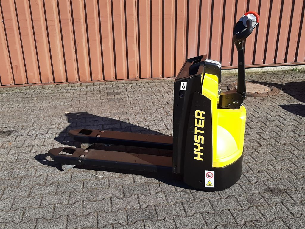 Hyster P1.6 Niederhubwagen www.thuenemann-stapler.de