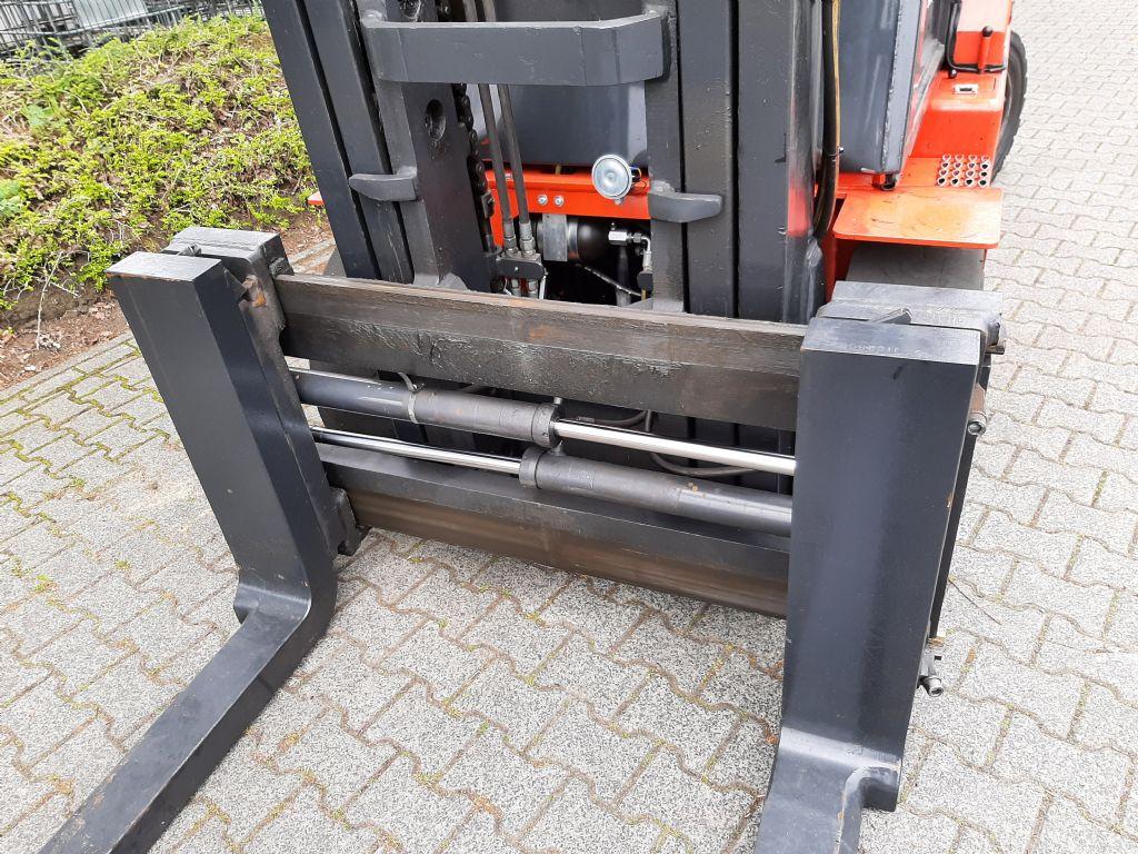 Mora M80CS Dieselstapler www.thuenemann-stapler.de