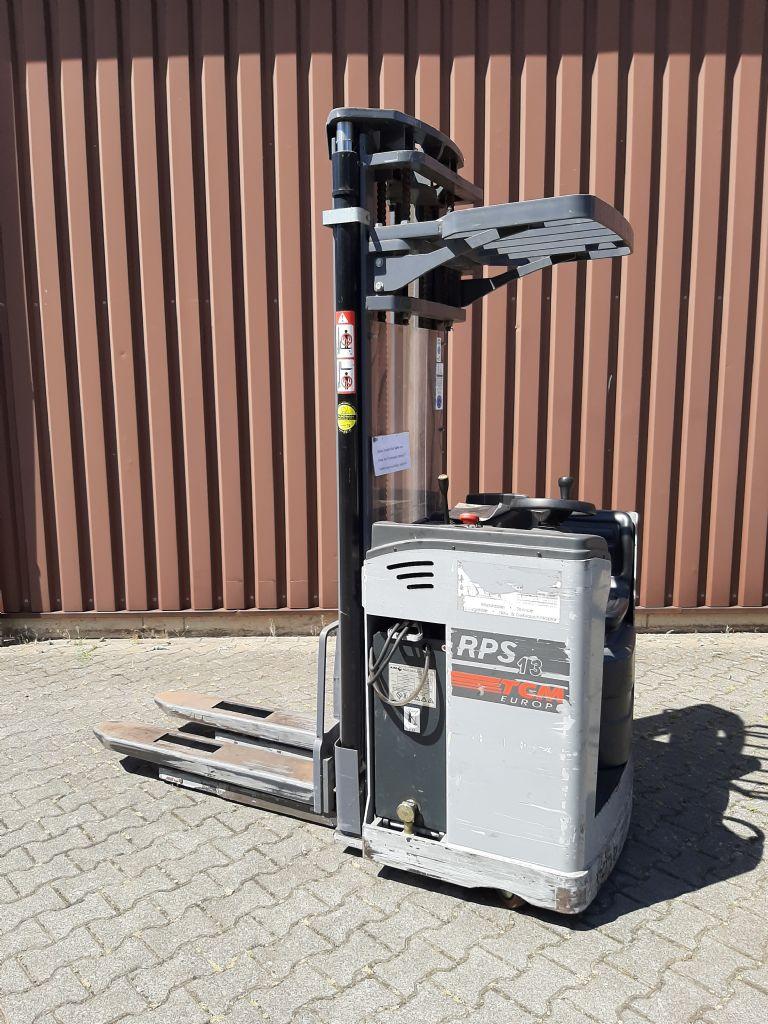 TCM RPS 13 Quersitzstapler www.thuenemann-stapler.de