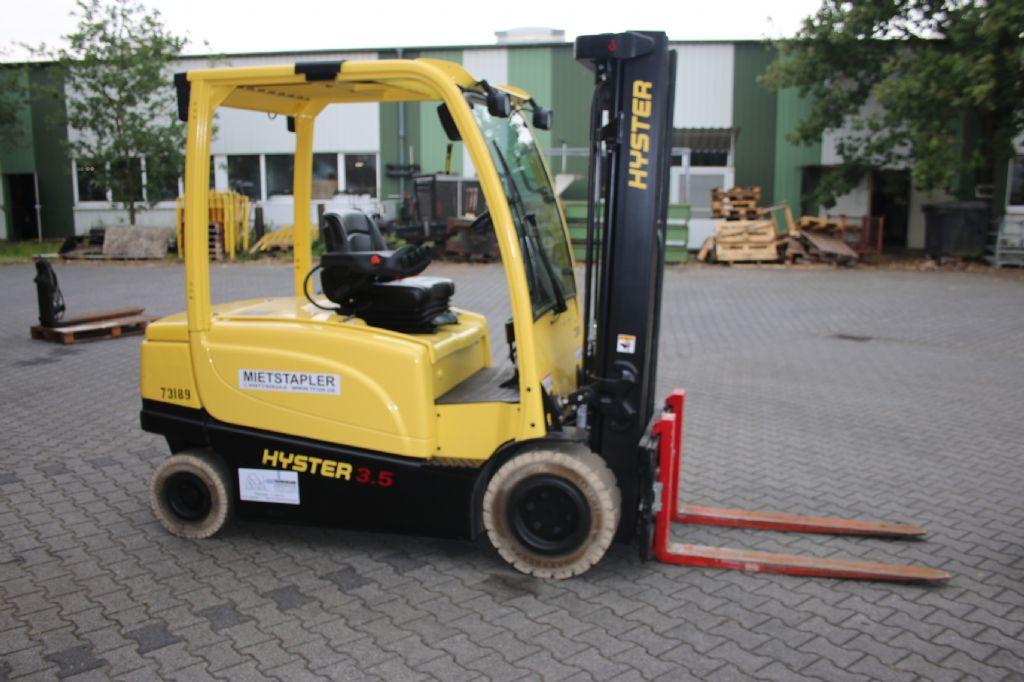 Hyster J3.5XN Elektro 4 Rad-Stapler www.thuenemann-stapler.de