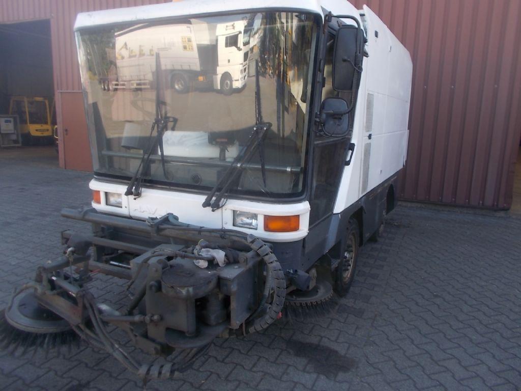 Ravo RAVO Kehrmaschine Straßenreinigungsmaschine www.thuenemann-stapler.de