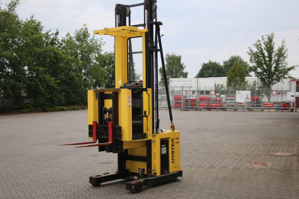 Hyster K1.OM Hochhubkommissionierer www.thuenemann-stapler.de