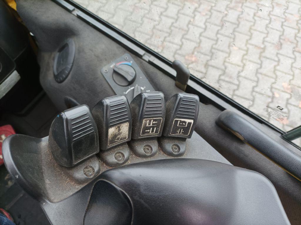 Hyster H3.0 FT Treibgasstapler www.thuenemann-stapler.de