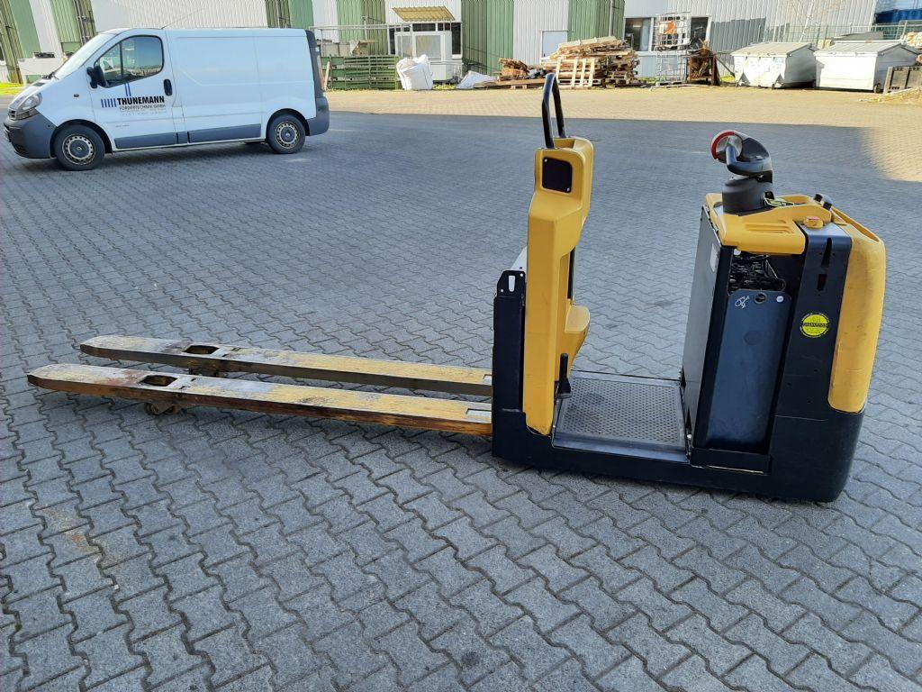 Yale MO2.0 Niederhubwagen www.thuenemann-stapler.de