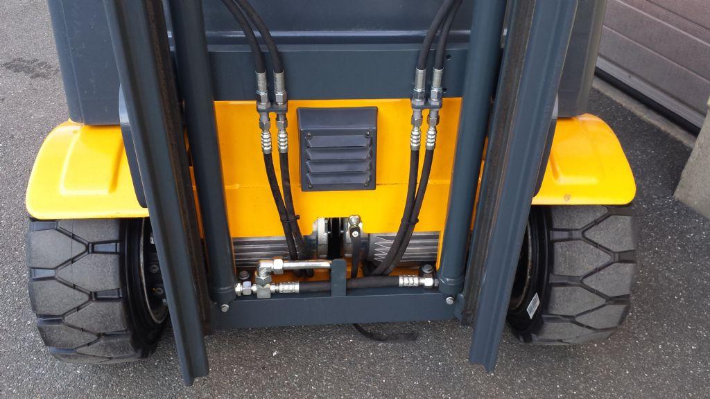 Jungheinrich-EFG 220-Elektro 3 Rad-Stapler-www.tojo-gabelstapler.de