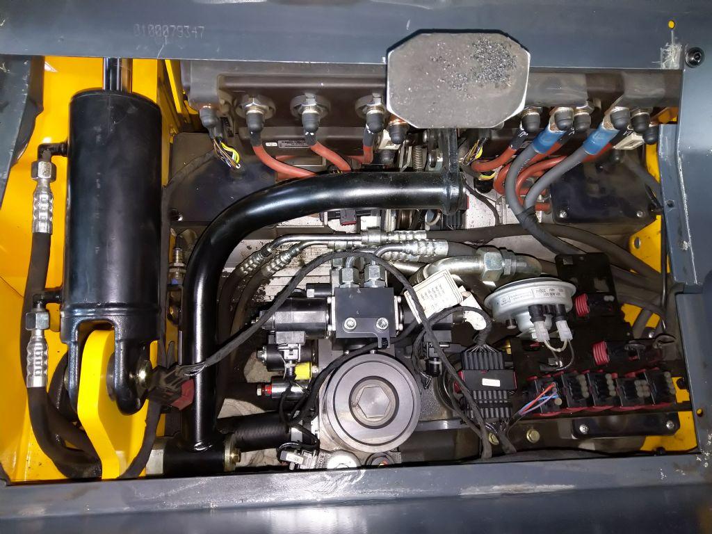 Jungheinrich-EFG 218-Elektro 3 Rad-Stapler-www.tojo-gabelstapler.de