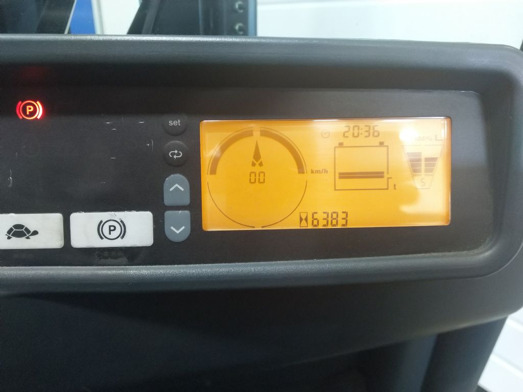 Jungheinrich-EFG 220 GE120-330ZZ-Elektro 3 Rad-Stapler-www.tojo-gabelstapler.de