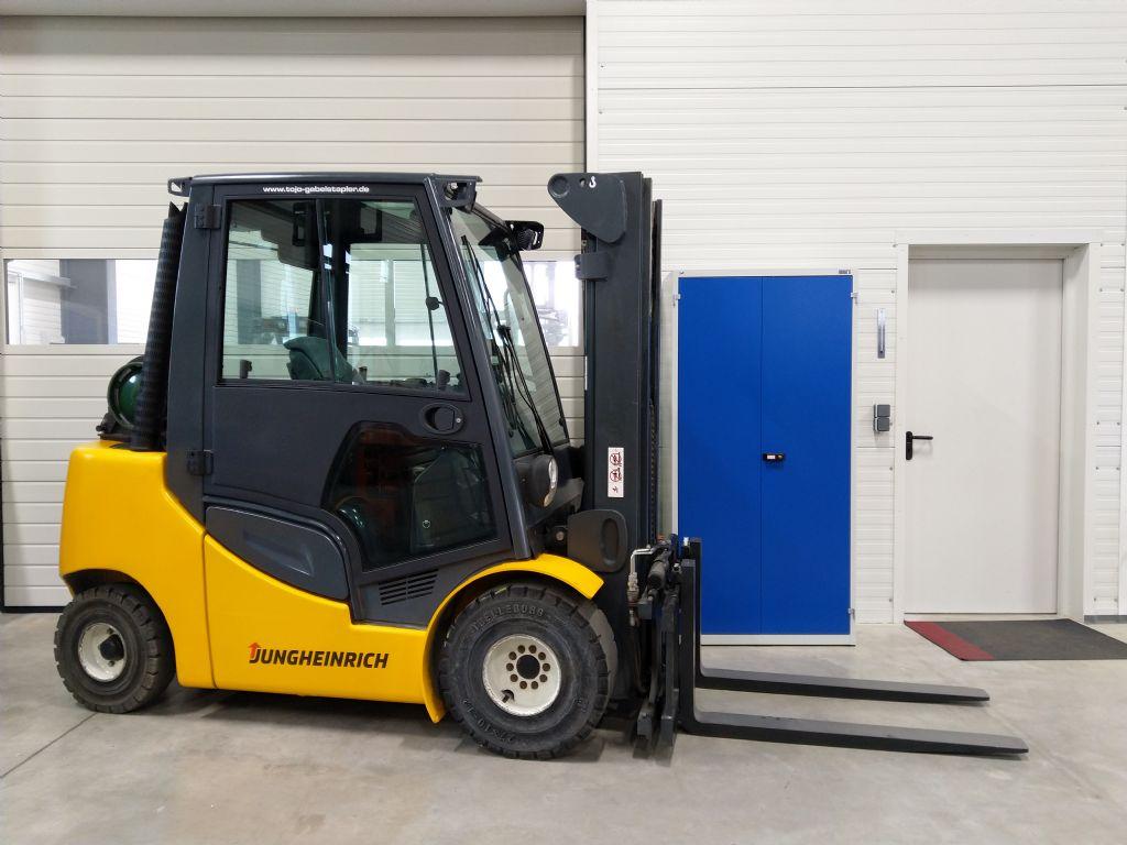 Jungheinrich-TFG 430s G160-470DZ-Treibgasstapler-www.tojo-gabelstapler.de