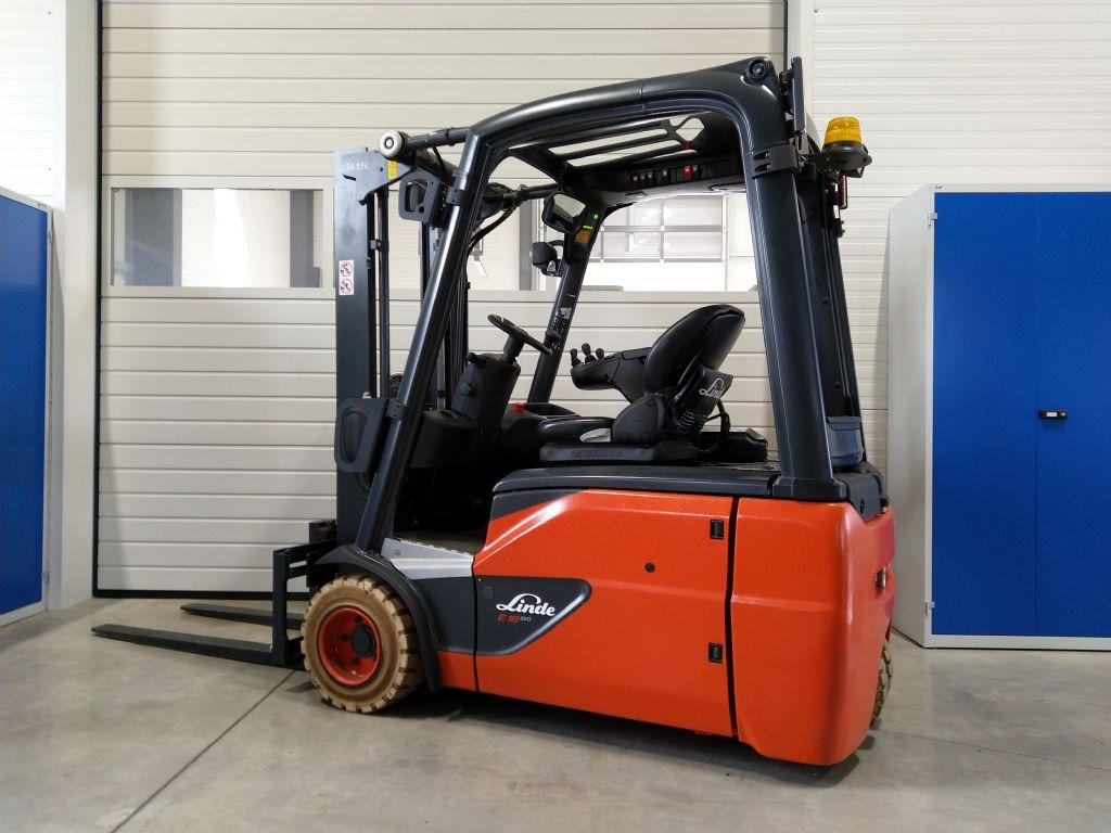 Linde-E 18-02 EVO (Containerfähig)-Elektro 3 Rad-Stapler-www.tojo-gabelstapler.de