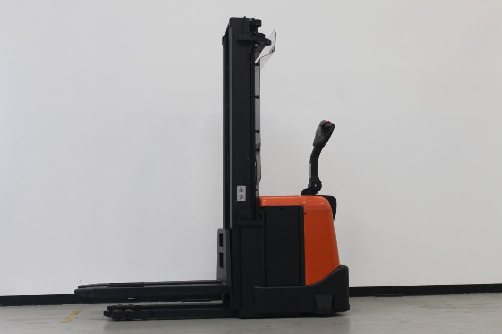 BT SPE160 Hochhubwagen loeffler-gabelstapler.de