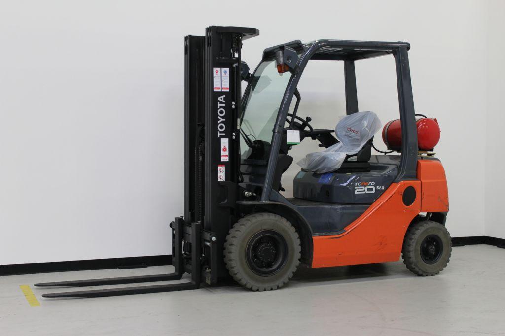Toyota-02-8FGF20-Treibgasstapler-www.eundw.com