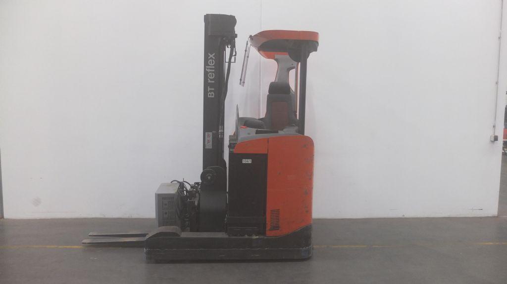 BT-RRE140-Schubmaststapler www.ffb-gabelstapler.de