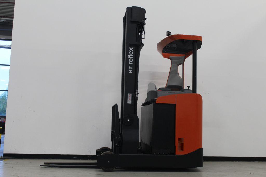 BT RRE160 Schubmaststapler www.heinbockel-gabelstapler.de