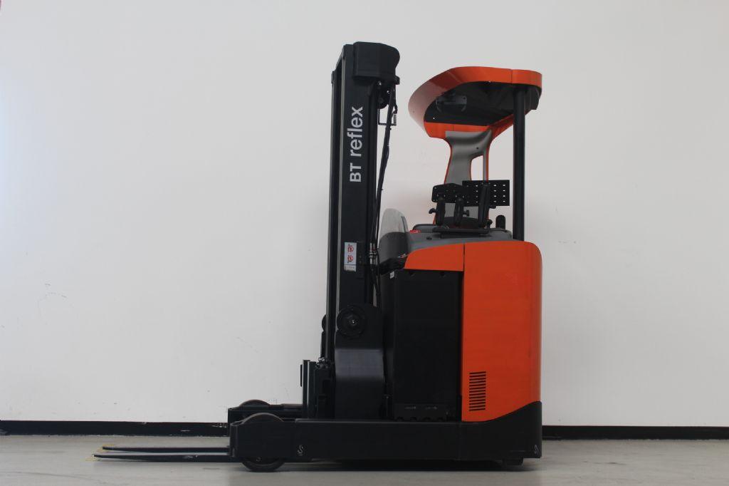 BT RRE160 Schubmaststapler loeffler-gabelstapler.de