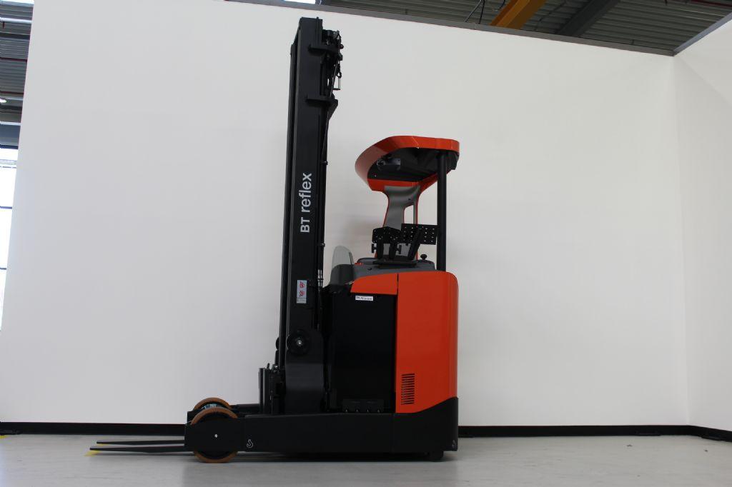 BT RRE180 Schubmaststapler loeffler-gabelstapler.de