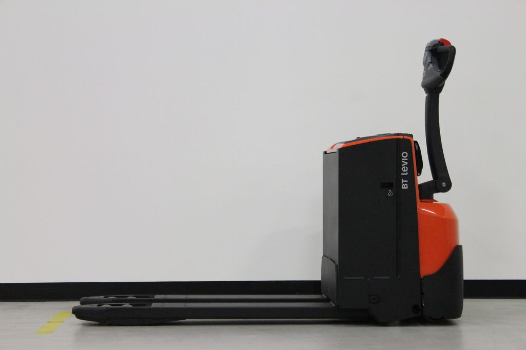 BT-LWE180-Niederhubwagen-www.eundw.com