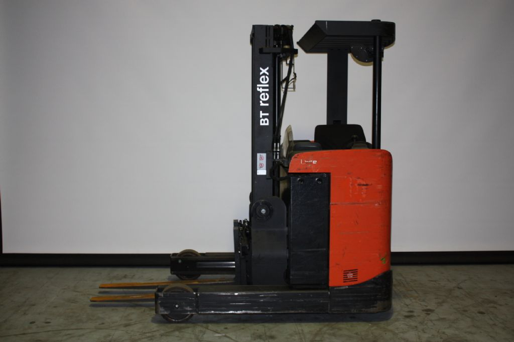 Toyota-RRE120B-Schubmaststapler-www.eundw.com
