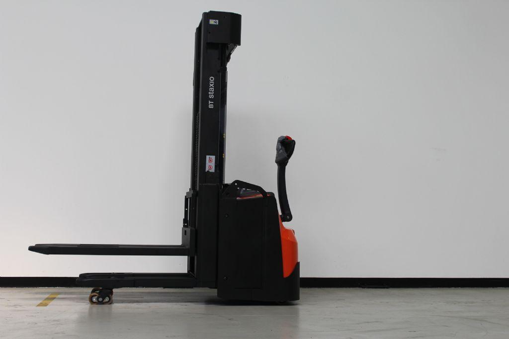 Toyota SWE145L Hochhubwagen loeffler-gabelstapler.de