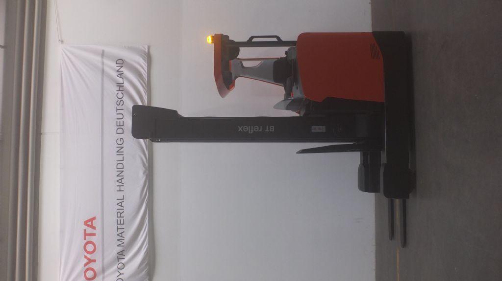 Toyota-RRE200H-Schubmaststapler www.ffb-gabelstapler.de