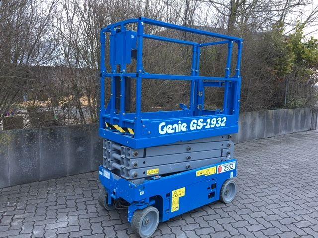 Genie-GS1932-Scherenarbeitsbühne-www.unruh-gabelstapler.de